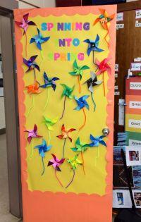25+ best ideas about School Door Decorations on Pinterest ...