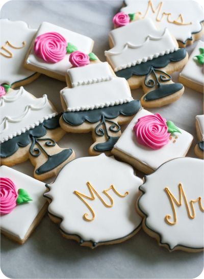 25+ best ideas about Decorated Wedding Cookies on ...
