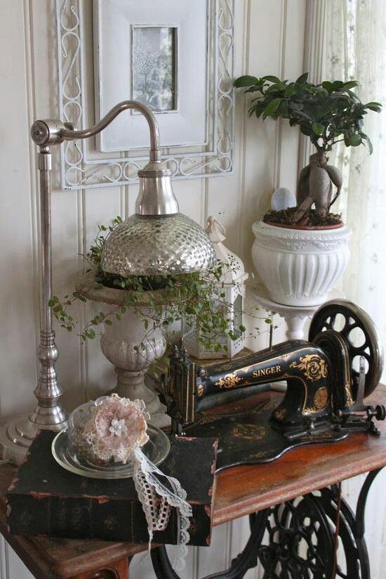 Bad Shabby Chic I Want This Sewing Machine! They Look So Beautiful | Rooms
