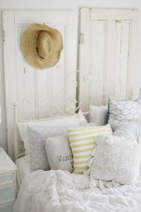 Best 25+ Beach cottage bedrooms ideas on Pinterest