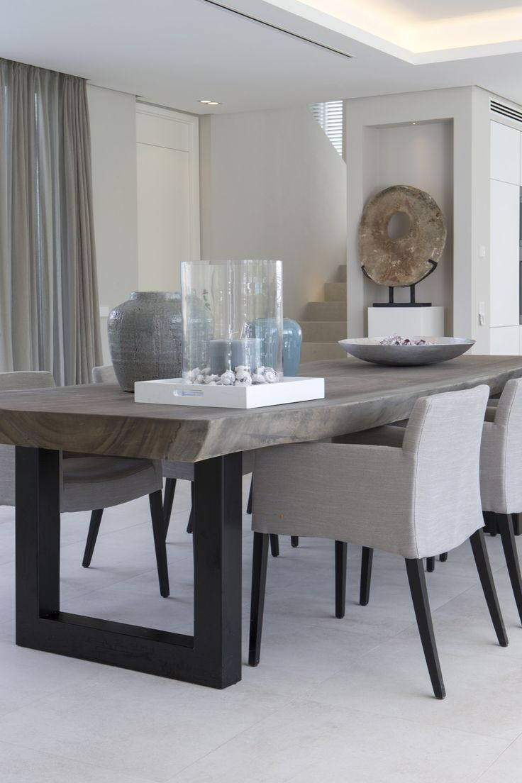 modern dining table kitchen tables Erik Koijen Vakantiehuis Marbella Hoog Exclusieve woon en tuin inspiratie Modern Dining Room TablesModern