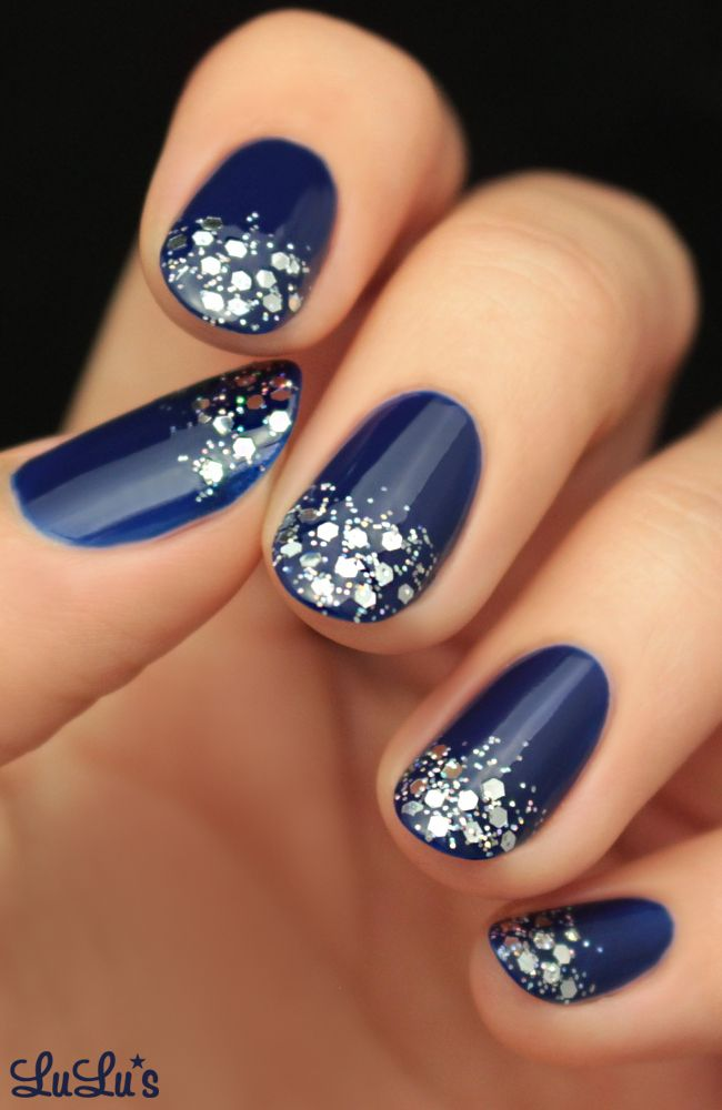 De Salon Bleu Turquoise Mani Monday: Navy Blue And Silver Glitter Nail Tutorial