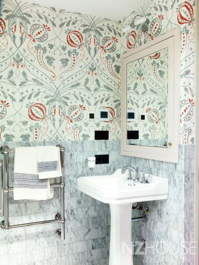 17 Best images about Bathrooms on Pinterest   Traditional bathroom, Contemporary bathrooms and Tile