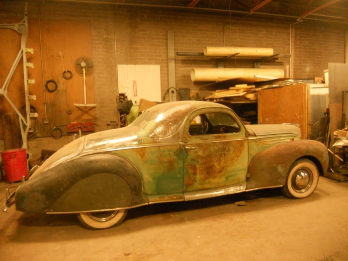 Deco Cool 1939 Lincoln Zephyr Coupe | Barn Finds,junk Yard Cars Etc