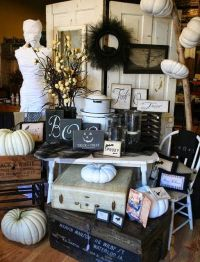 25+ best ideas about Fall store displays on Pinterest ...