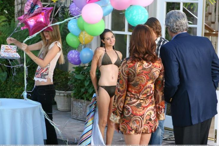 Nice Girl Wallpaper For Fb Willa Holland Bikini Willa Holland En Bikini Willa