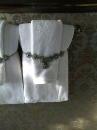 The 25+ best Bathroom towel display ideas on Pinterest ...