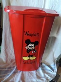 1000+ ideas about Kitchen Trash Cans on Pinterest | Rustic ...