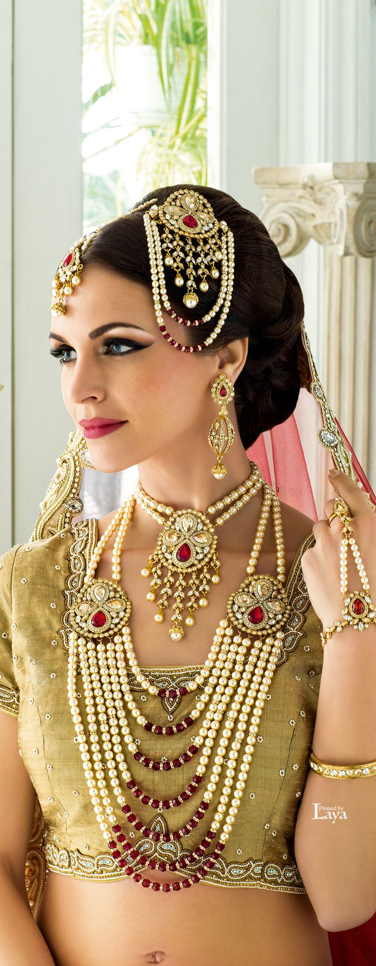 indian wedding bridal jewelry wedding jewelry Indian Wedding Jewelry Indian Jewelry Mughal Jewelry Girl Face Indian Beauty Indian Fashion Knot Bollywood Bridal Necklace
