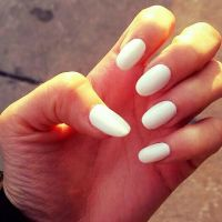 White oval shaped acrylic nails | Nail Idea's | Pinterest ...