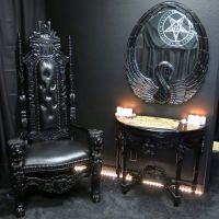 Spooky Home Decor on Pinterest | Gothic Home Decor, Gothic ...
