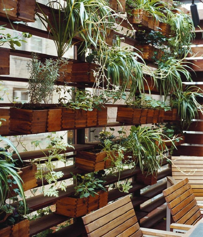 Amenager Un Mur Vegetal Exterieur Movable Wooden Planters On A Plant Wall. Zizmor House