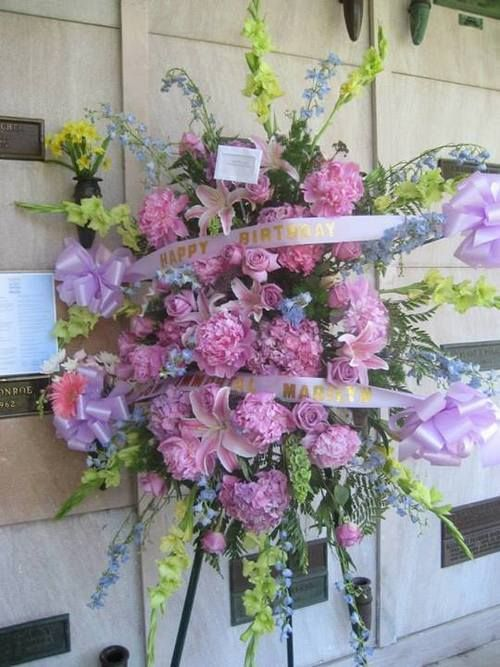 17 best images about marilyn u0026 flowers on pinterest