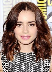 Lily Collins - wavy and short | Beauty | Pinterest | Lily ...