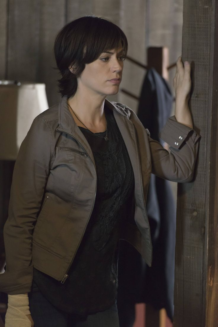 Friends Series Quotes Wallpaper Sons Of Anarchy Season 6 Still Maggie Siff Pinterest