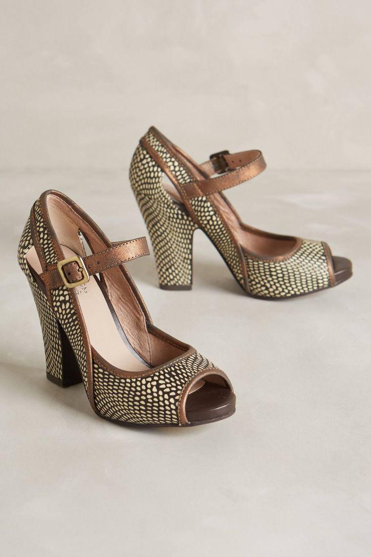 Anthropologie leaf roller heels i love these shoes