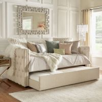 25+ best ideas about Daybeds on Pinterest | Daybed, Spare ...