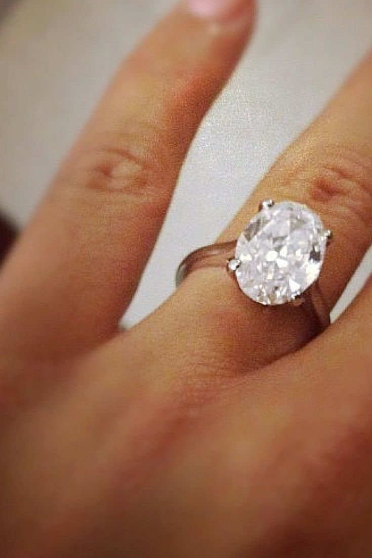 celebrity engagement rings amber wedding ring Amber Rose Amber s engagement ring features a 10 carat oval cut diamond in a