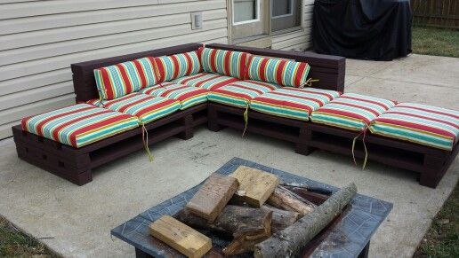 Freedom Retro Sofa Diy Pallet Seating. | Garden/exterior | Pinterest | Diy