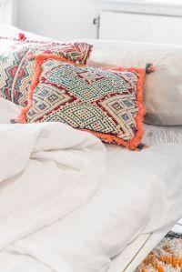 25+ best ideas about Bright Pillows on Pinterest | Cheap ...