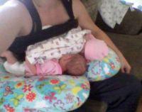Twin Z Pillow - The 4 in 1 Twin Nursing and Bottle Feeding ...