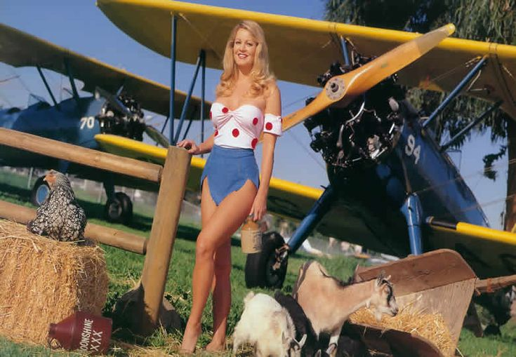 Gretchen Stockdale With An Old Boeing N2s3 Single Engine