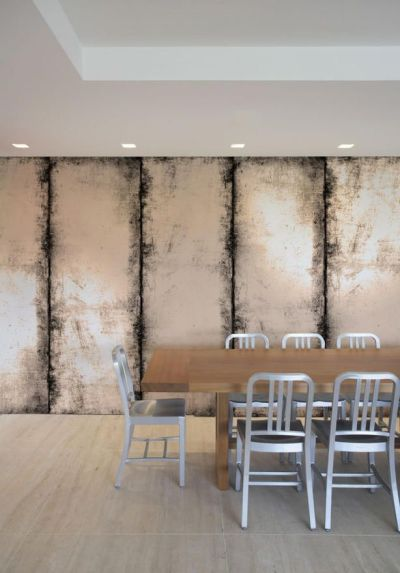 Distressed Wall - antique mirror effect wallcovering. I could do this with paint! | Decoration ...