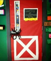 What a nifty classroom door decoration for Charlottes Web ...