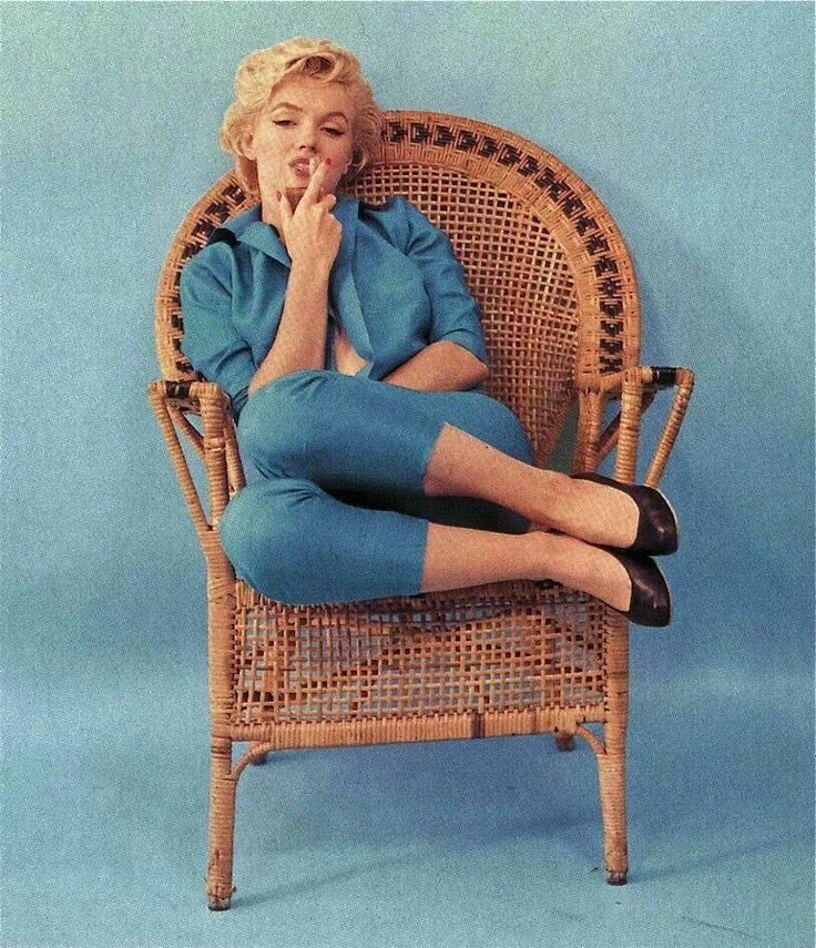 Teal Wallpaper With Quotes Marilyn Monroe Wicker Chair Sitting Photo By Milton