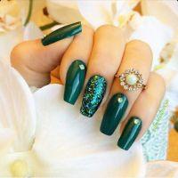 25+ best ideas about Dark Green Nails on Pinterest | Dark ...