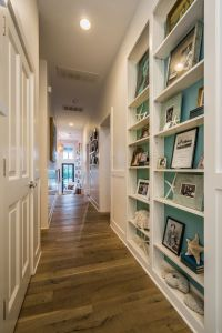 Best 25+ Decorate long hallway ideas on Pinterest