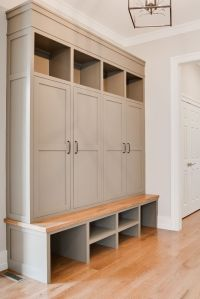 25+ best ideas about Mud Room Lockers on Pinterest ...