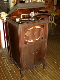 Antique 1919 Brunswick #117 Victrola-Phonograph Record ...