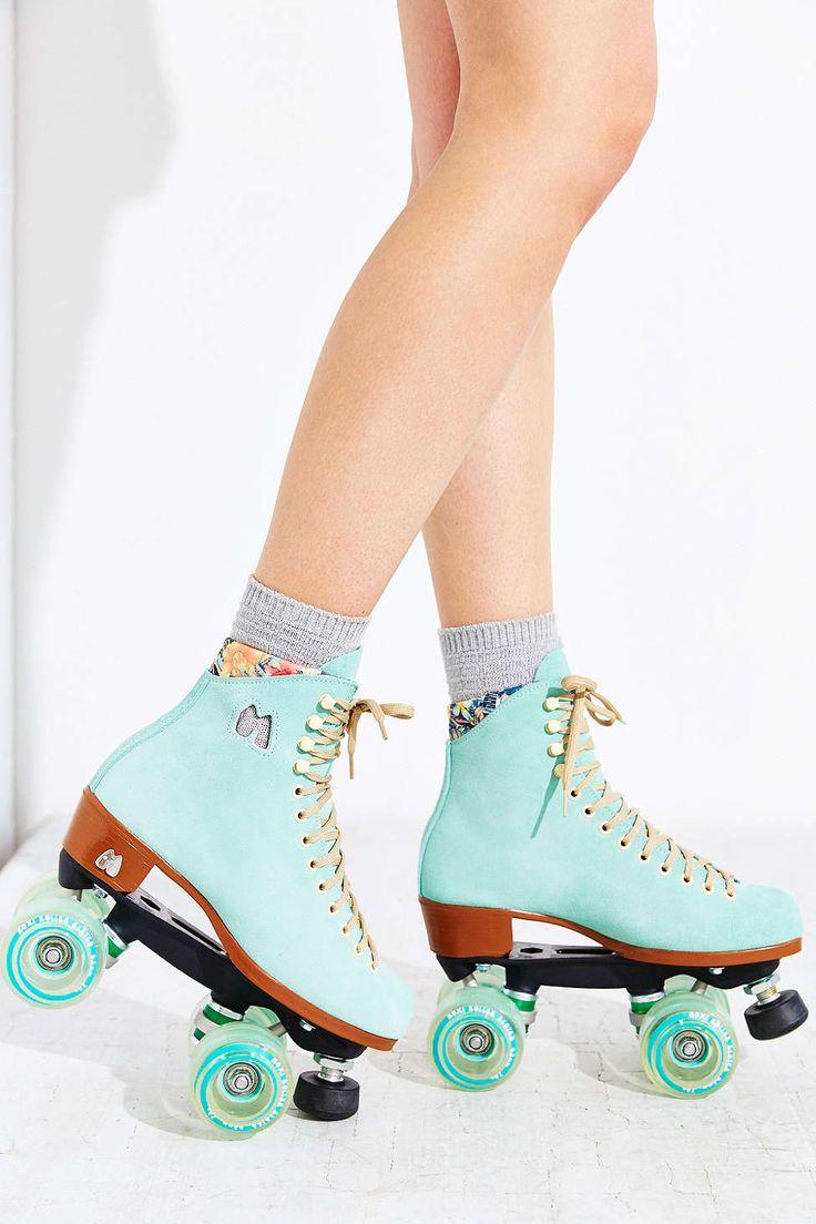 Moxi lolly roller skates in sky