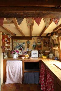 25+ best ideas about Small cottage kitchen on Pinterest ...