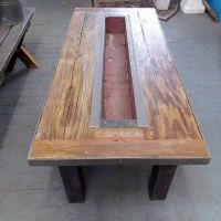 25+ best ideas about Barnwood coffee table on Pinterest ...