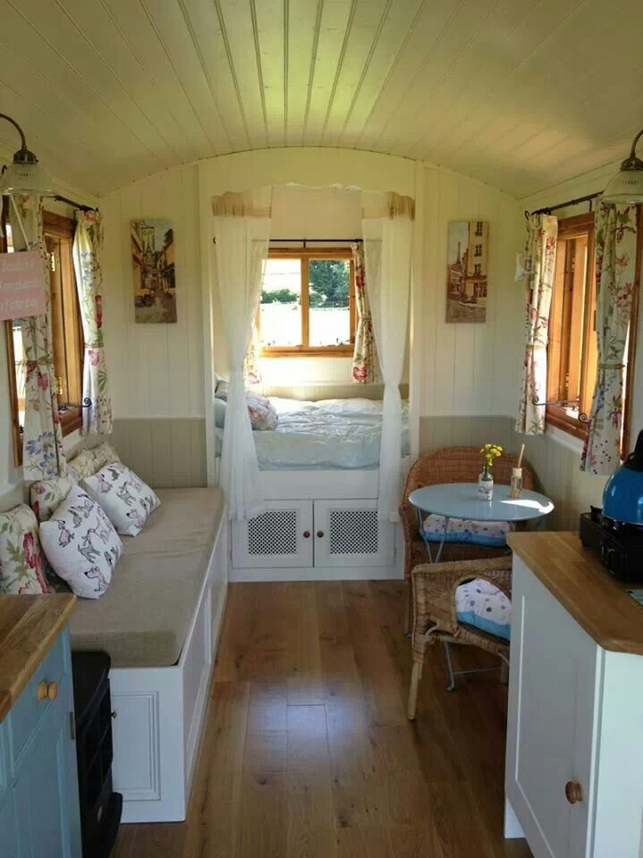 Wohnwagen Einrichtungsideen Gypsy Wagon Interior. Small House Home Tiny Cottages Cabin
