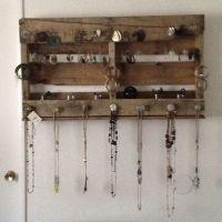 25+ best ideas about Pallet Jewelry Holder on Pinterest ...