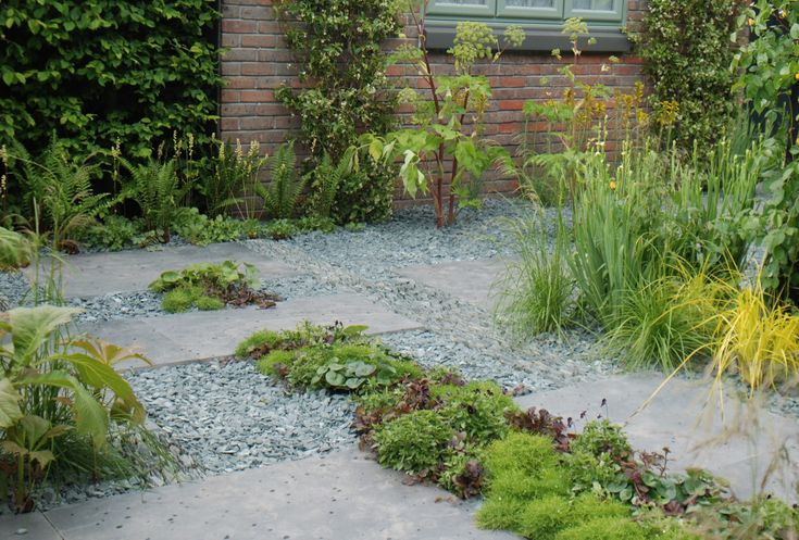 Table Blooma 25+ Best Ideas About Blue Slate Chippings On Pinterest