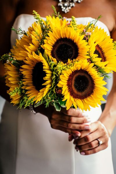 25+ Best Ideas about Sunflower Bridal Bouquets on ...