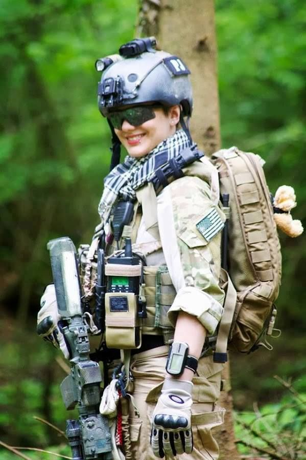 Girl Soldier Wallpaper Prepared Outing Be Tactical Women With Guns Pinterest