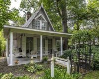 Cute House Front Yard | Epiphany Exteriors: Gardens and ...