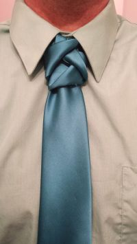 17 Best images about Men's fashion how to tie a necktie on ...