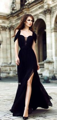 1000+ ideas about Black Evening Gowns on Pinterest | 90s ...