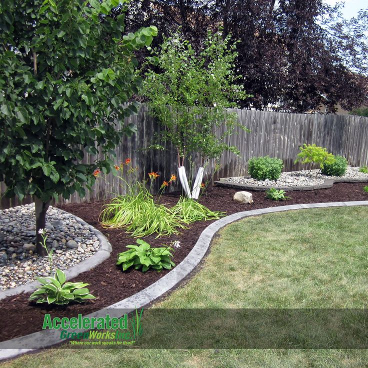 Best 25+ Landscaping along fence ideas on Pinterest