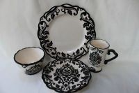Must find these dishes! Found image at Bing but no info ...
