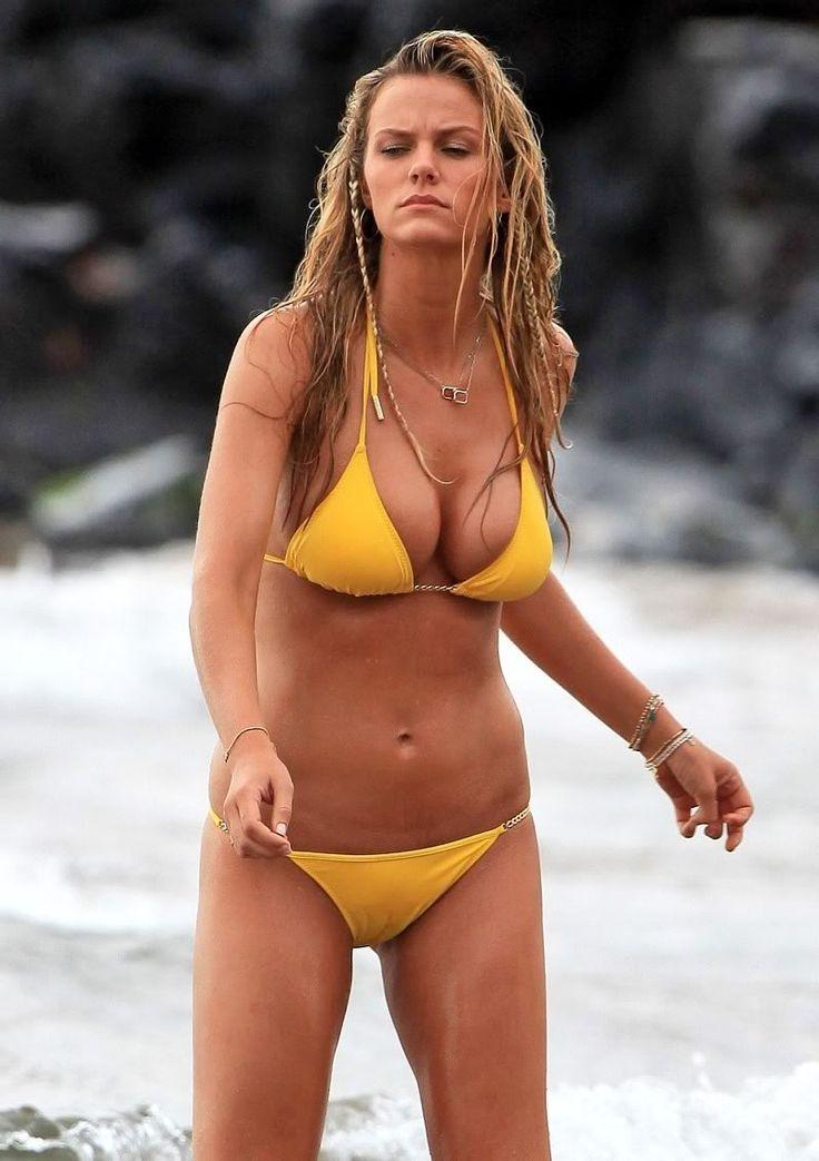 Alizee Wallpaper Hd Brooklyn Decker Bikini 4 Jpg 798 215 1131 Brooklyn Decker