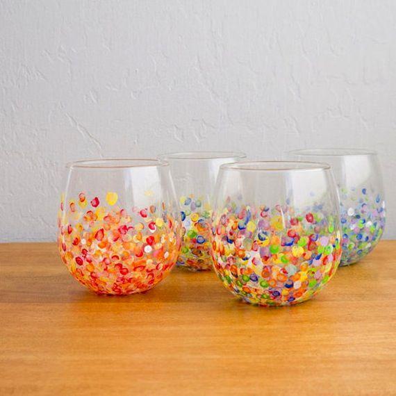 Painted glasses from lafactoriaplastica.com