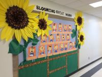 76 best images about Door Decorations and Bulletin Boards ...