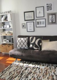 25+ Best Ideas about Futon Bedroom on Pinterest | Futon ...